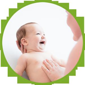 Ergotherapeutin mit Säugling